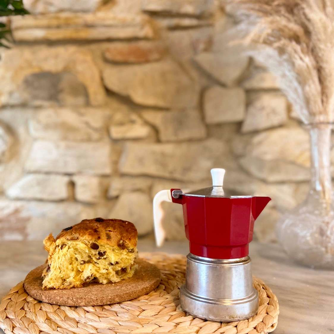 Christmas for Italians means choosing between: Panettone or Pandoro?